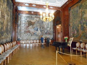 Great ballroom and tapestry at Yusupov Palacve